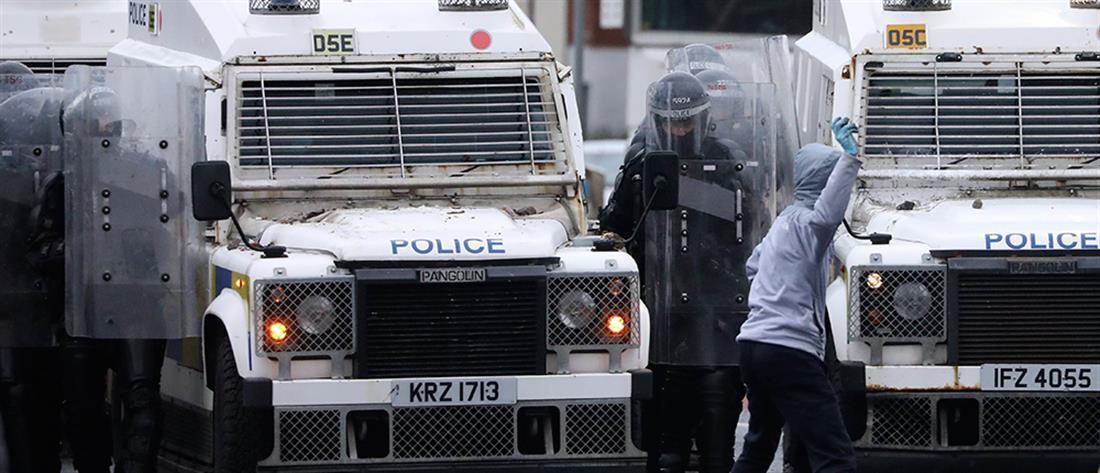 """Βόρεια Ιρλανδία: Ξυπνούν μνήμες """"Troubles"""" (εικόνες)"""