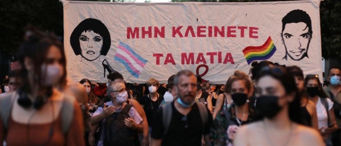 Ζακ Κωστόπουλος: Λουλούδια, κεριά και σημειώματα στο σημείο που ξεψύχησε (εικόνες)