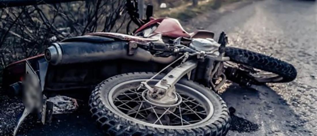 Θανατηφόρα μετωπική σύγκρουση μοτοσικλέτας με ΙΧ