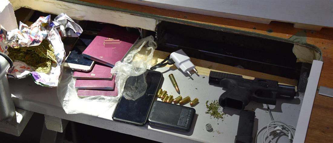 Κιλκίς: Έκρυβαν όπλα και ναρκωτικά σε μπανιέρα και σκαλοπάτια (εικόνες)