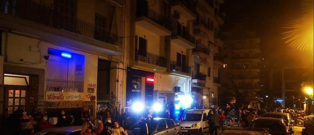 Κορονοϊός: η Αστυνομία διέλυσε… διαμπαλκονική συναυλία (βίντεο)