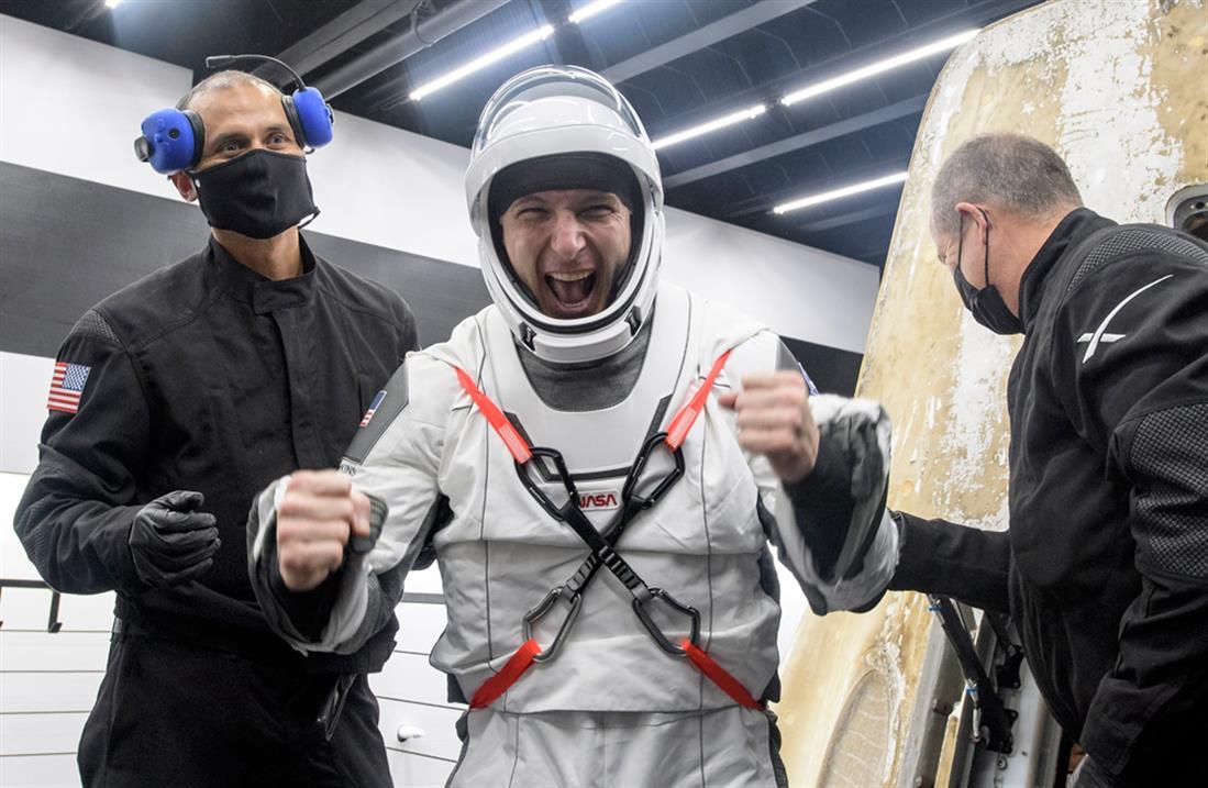 Αστροναύτες - κάψουλα - SpaceX - NASA - επιστροφή