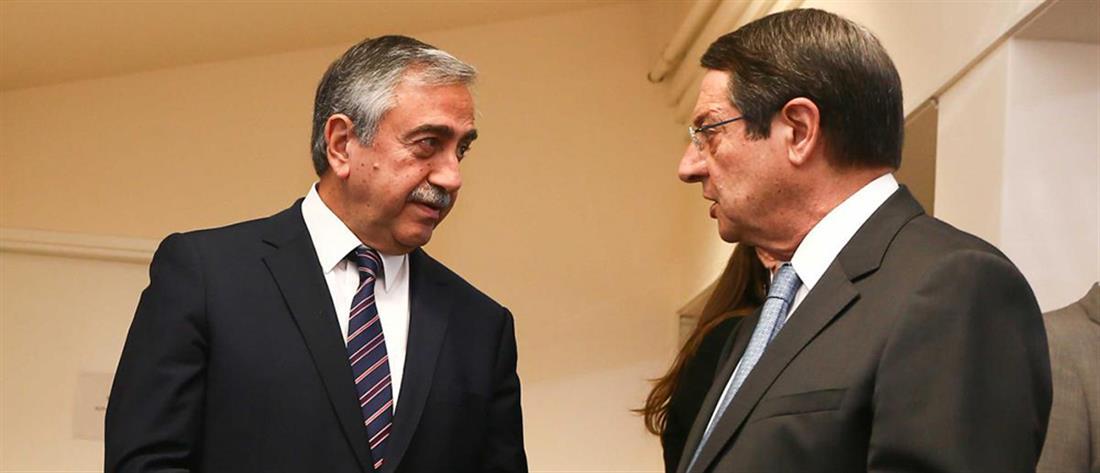 """Αναστασιάδης και Ακιντζί """"εγκαινίασαν"""" την τηλεφωνική σύνδεση με τα κατεχόμενα"""