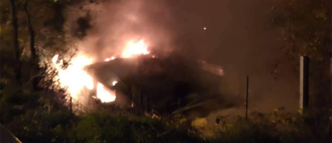 Φωτιά σε λυόμενα στου Ζωγράφου (βίντεο)