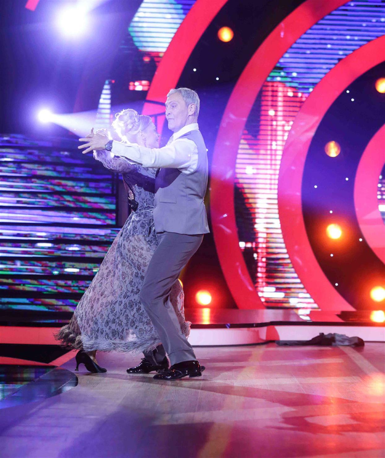 Αλμπέρτο Εσκενάζη - DANCING WITH THE STARS - LIVE 1