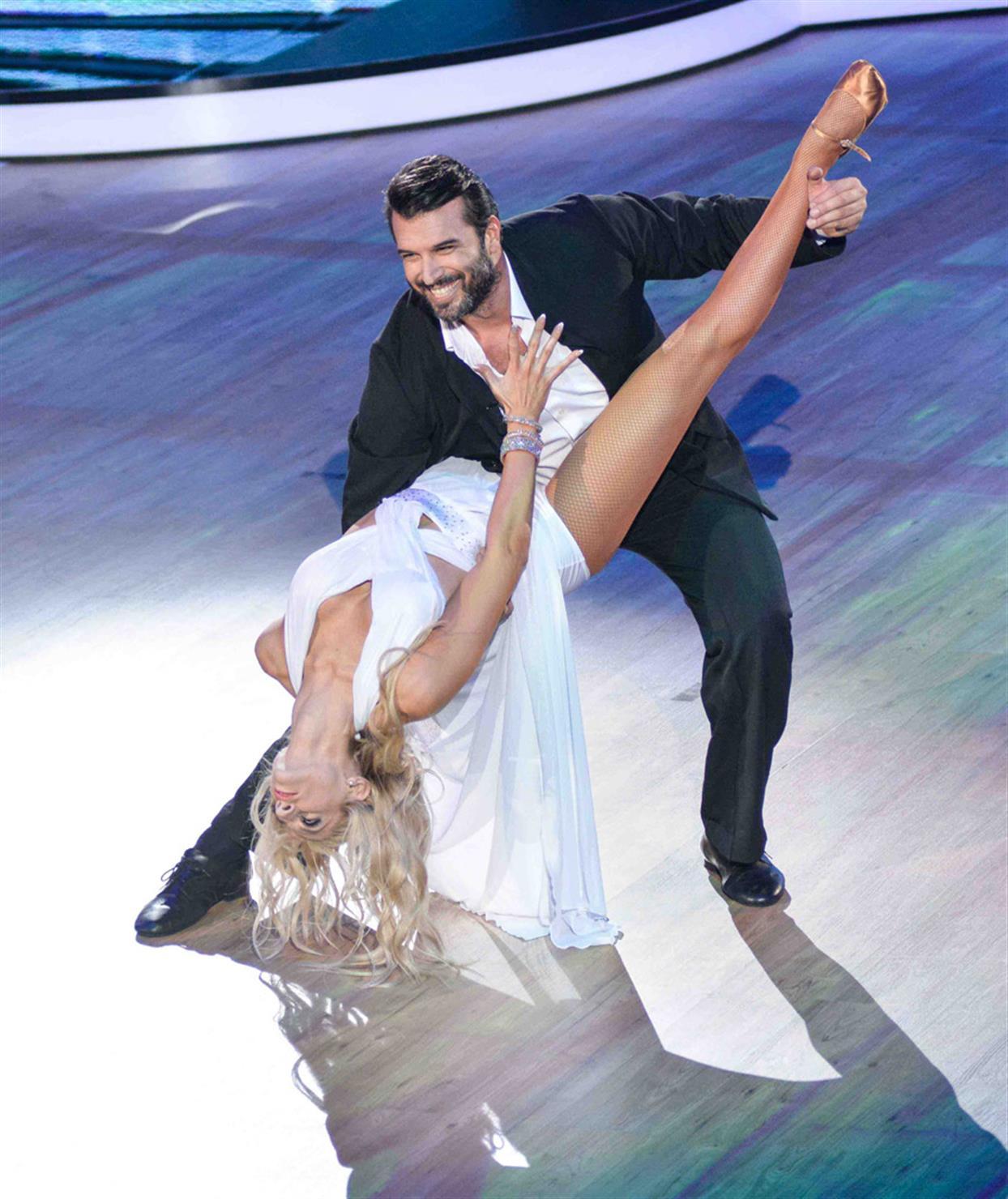 Αντώνη Βλοντάκη - DANCING WITH THE STARS - LIVE 1
