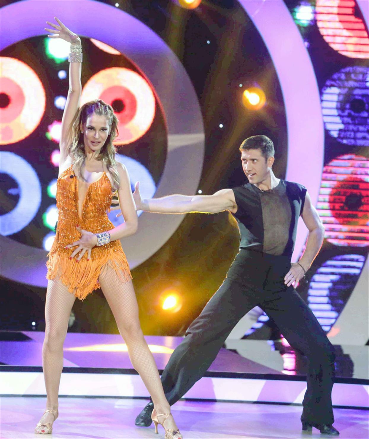Μαρία Καλάβρια - DANCING WITH THE STARS - LIVE 1