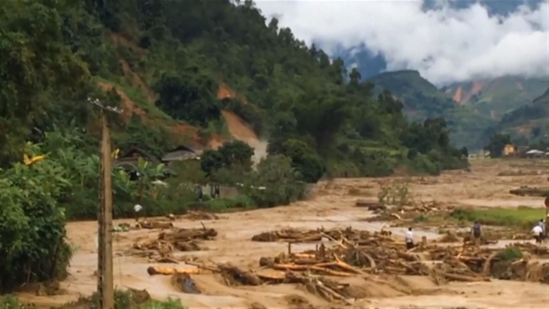 b56142f6b2c ANT1 internet world | Εικόνες καταστροφής από τις φονικές πλημμύρες στο  Βιετνάμ (βίντεο)