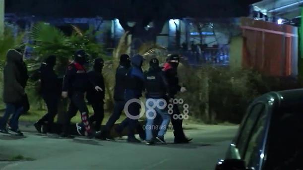 Έφοδοι σε σπίτια υπόπτων μετά τα βίαια επεισόδια στην Αλβανία