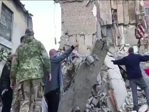Δεκάδες κτήρια κατέρρευσαν από τον φονικό σεισμό στην Αλβανία