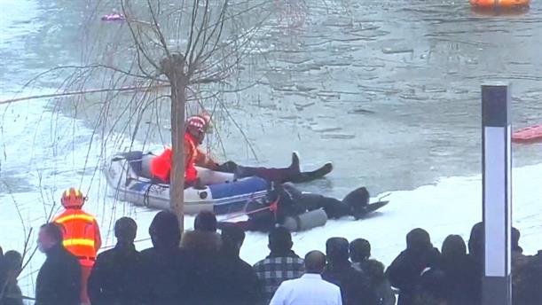 Θυσιάστηκε για να σώσει παιδί που έπεσε σε παγωμένη λίμνη