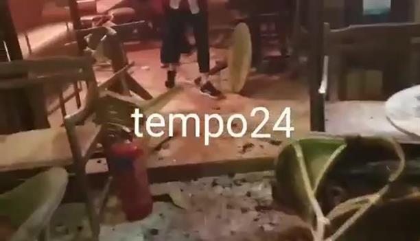 Επίθεση κουκουλοφόρων με καπνογόνα σε κατάστημα εστίασης στην Πάτρα