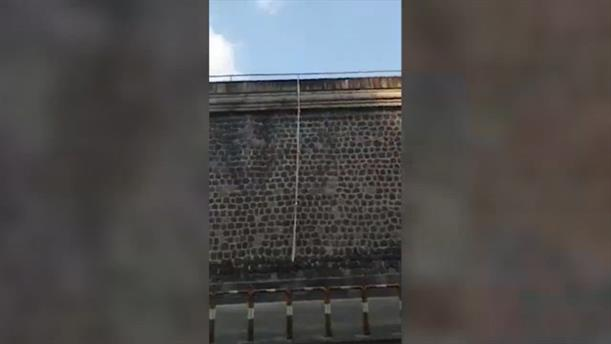 Απέδρασε με σεντόνι, κρατούμενος στις φυλακές του Ποτζορεάλε στη Νάπολη