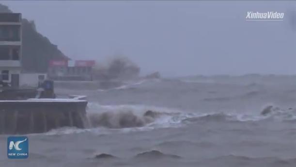 Σαρώνει την Κίνα ο τυφώνας Λέκιμα