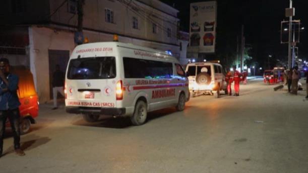 Νεκροί και τραυματίες από βομβιστή - καμικάζι σε παγωτατζίδικο στη Σομαλία