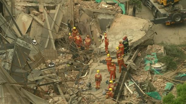 Κατάρρευση κτηρίου στη Σαγκάη