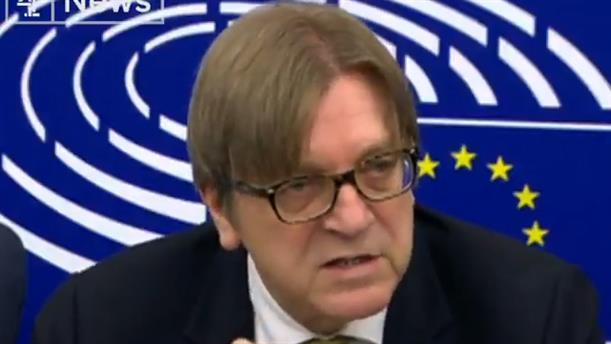 Προειδοποίηση Φερχόφστατ στους ηγέτες του Brexit για γκιλοτίνες