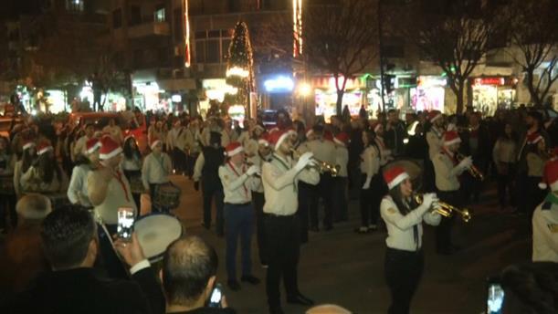 Χριστουγεννιάτικη παρέλαση στη Γούτα