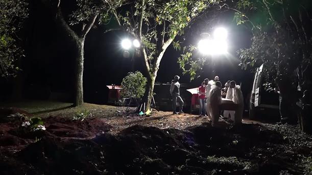 Βραδινές κηδείες στη Βραζιλία