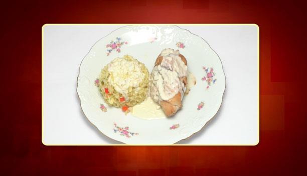 Κοτόπουλο φιλέτο με λαχανικά, σάλτσα από τέσσερα τυριά και ρύζι με πιπεριές και κουρκουμά της Δήμητρας - Κυρίως πιάτο - Επεισόδιο 96