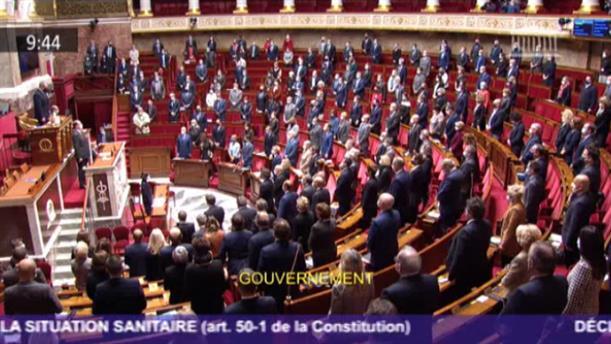 Νίκαια: Ενός λεπτού σιγή στη Βουλή για τα θύματα της τρομοκρατικής επίθεσης