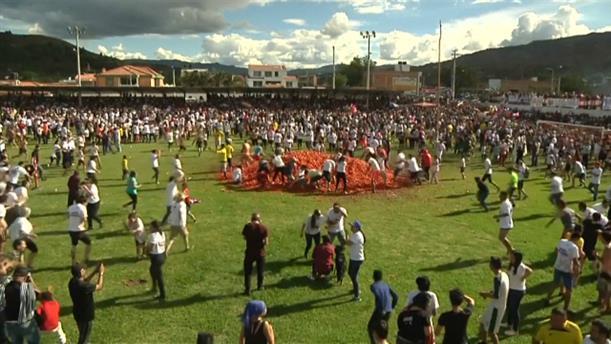 Άγριος τοματοπόλεμος σε φεστιβάλ
