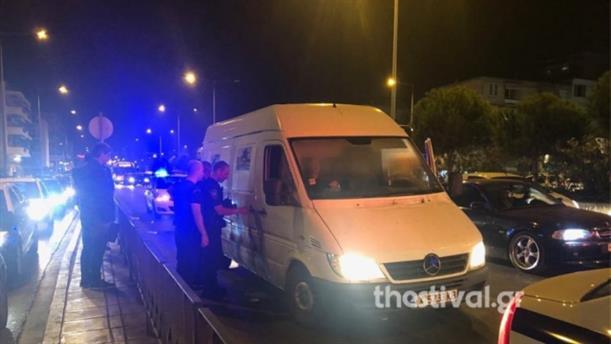 Κινηματογραφική καταδίωξη και σύλληψη διακινητή μεταναστών στην Θεσσαλονίκη