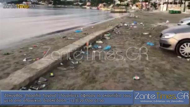 Σκουπίδια παντού μετά από γλέντι στην Παραλία του Λαγανά
