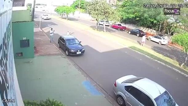 Κάμερα κατέγραψε το αυτοκίνητο 19χρονης να μπαίνει σε ένα στενό πριν το βιασμό και τη δολοφονία της