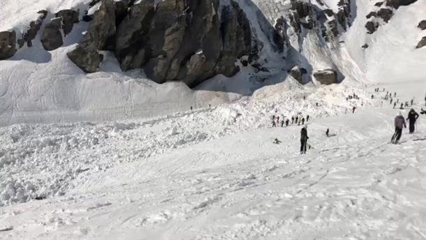 Μεγάλη χιονοστιβάδα στην Ελβετία