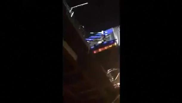 Λεωφορείο κρέμεται από γέφυρα στη Νέα Υόρκη