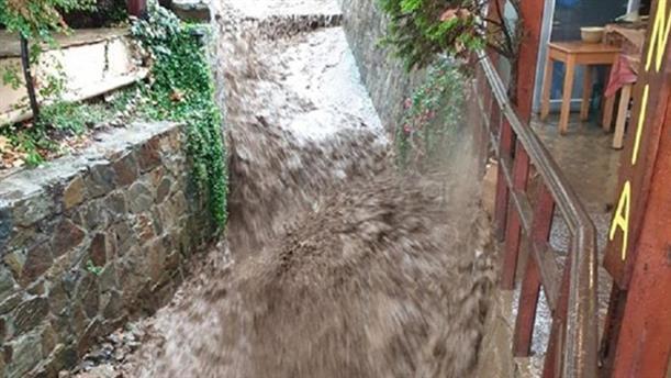 Σφοδρή βροχόπτωση στην Κίσαμο Χανίων