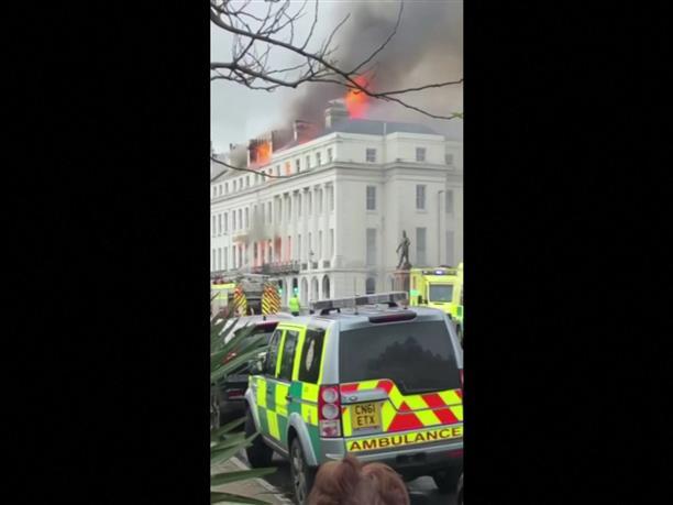 Στις φλόγες ξενοδοχείο στην Βρετανία