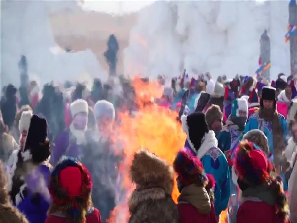 Πλήθος κόσμου στο πάρκο του Πάγου