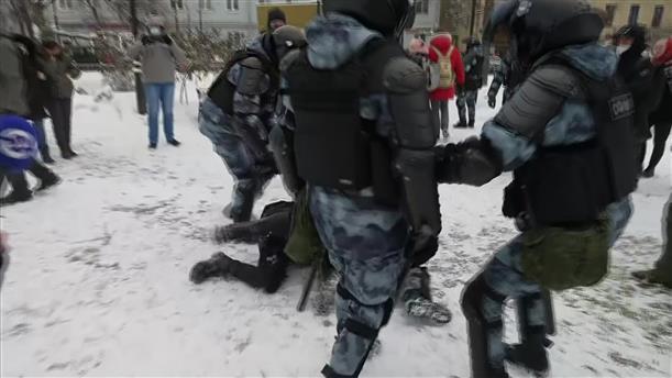 Συλλήψεις σε διαδηλώσεις υπέρ του Ναβάλνι