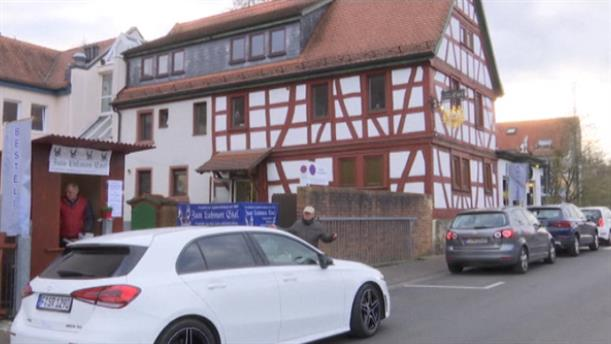 Παραγγελίες μέσα από το αυτοκίνητο... σε εστιατόριο στην Γερμανία
