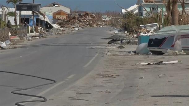 Μπαχάμες: Απέραντος σορός από συντρίμμια