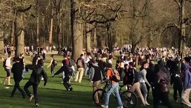 Βέλγιο: η αστυνομία διέλυσε υπαίθριο παρτι