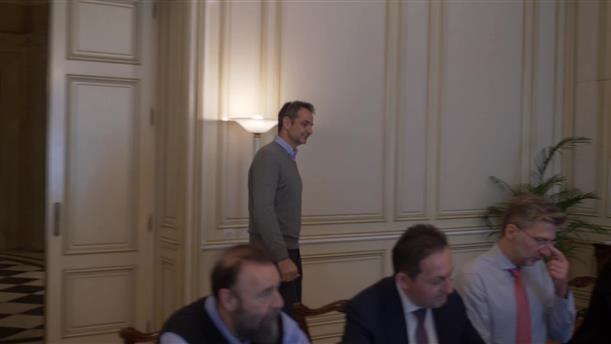 Σύσκεψη στο Μαξίμου για τις εξελίξεις με την επιδημία κορονοϊού