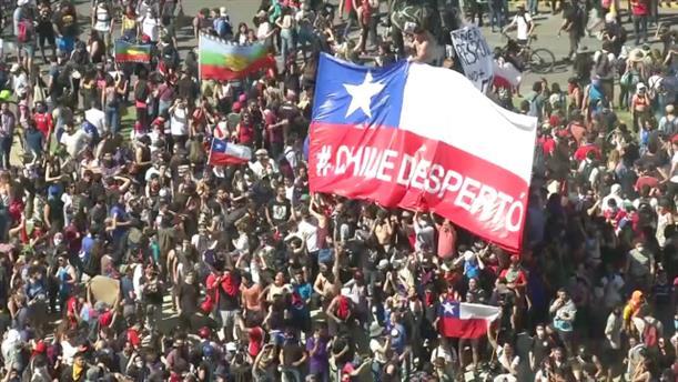 Ανυποχώρητοι οι διαδηλωτές στη Χιλή