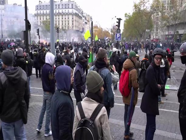 Κίτρινα Γιλέκα - Συγκρούσεις με την αστυνομία στο Παρίσι