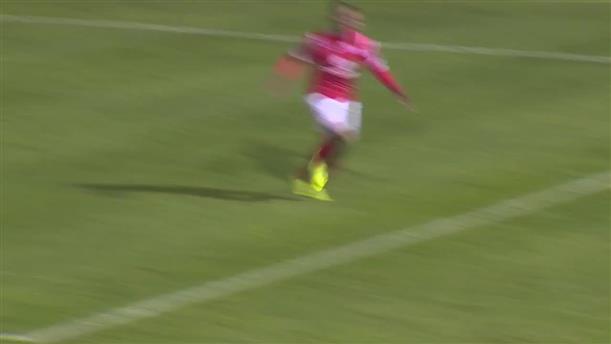 Τραυματίστηκε ενώ... πανηγύρισε το γκολ του!