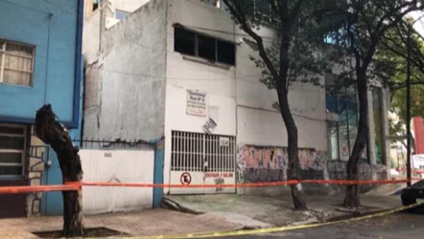 Ζημιές σε κτίρια μετά τον σεισμό στο Μεξικό