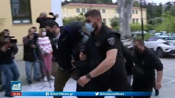 Μένιος Φουρθιώτης: Δίωξη για δύο κακουργήματα και επτά πλημμελήματα