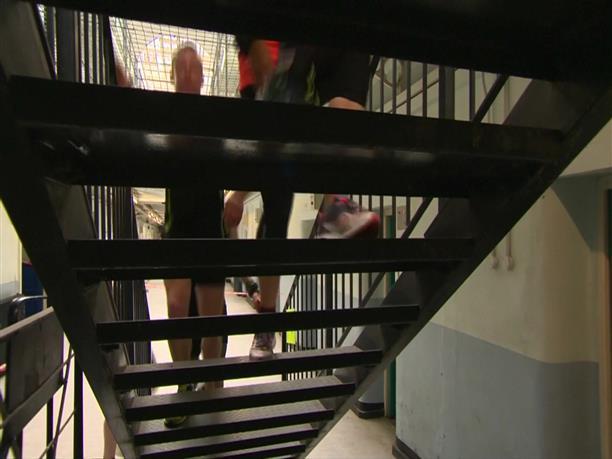 Έκαναν μαραθώνιο μέσα σε...φυλακή