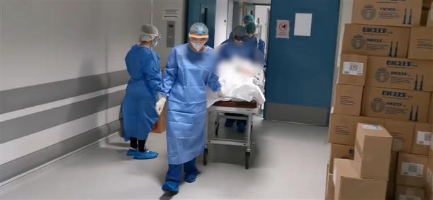 Έξοδος από τη ΜΕΘ-COVID του Πανεπιστημιακού Γενικού Νοσοκομείου Ιωαννίνων, 68χρονου με υποκείμενα νοσήματα, που μεταφέρθηκε από την Κοζάνη και διασωληνώθηκε στις 17/11.