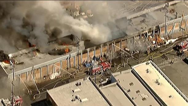 Φωτιά σε αποθήκη στο Λος Άντζελες
