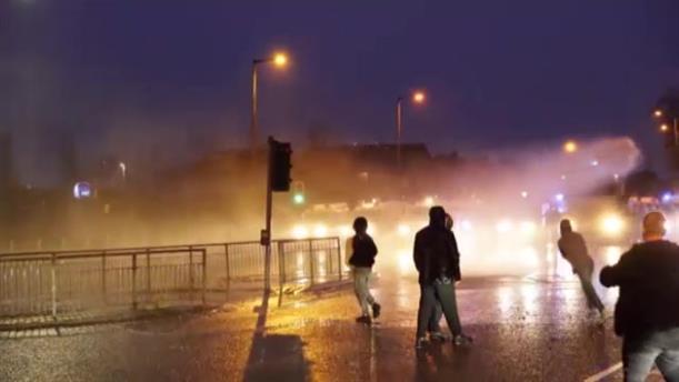 Επεισόδια μεταξύ διαδηλωτών και αστυνομίας στην Ιρλανδία