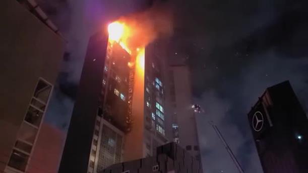 Φωτιά σε ουρανοξύστη στη Νότια Κορέα