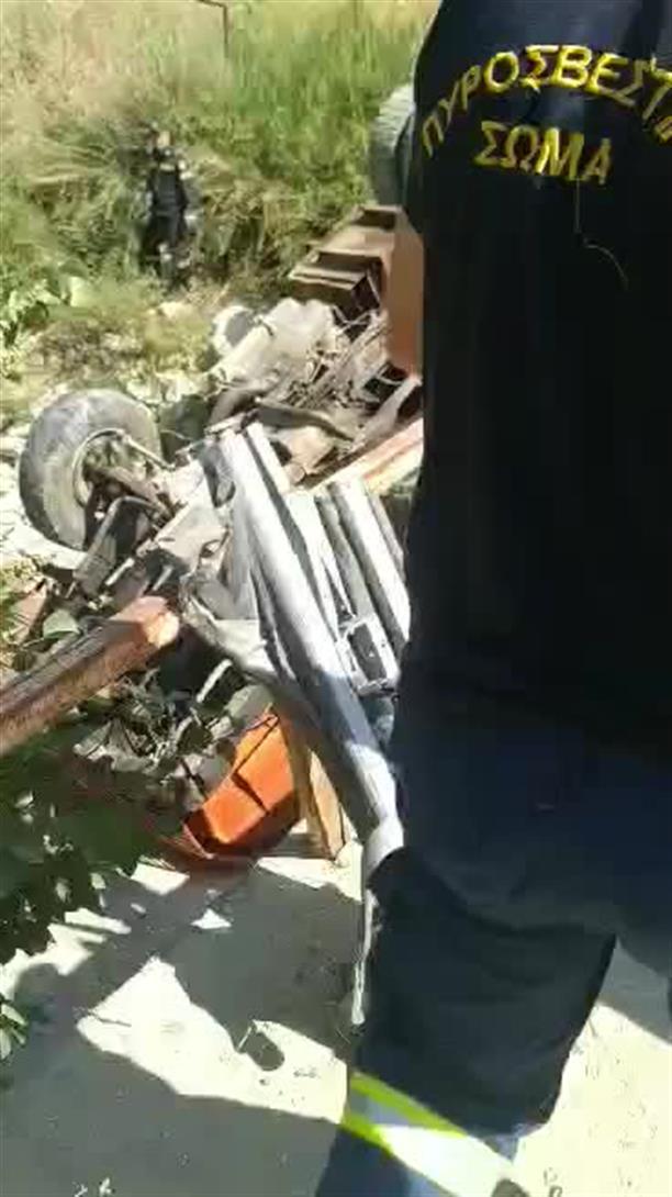 Τραυματισμός οδηγού υδροφόρας απο υποχώρηση γέφυρας